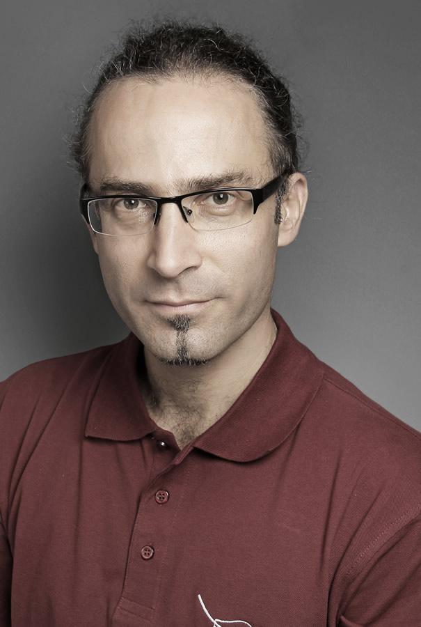Dr. Perényi János