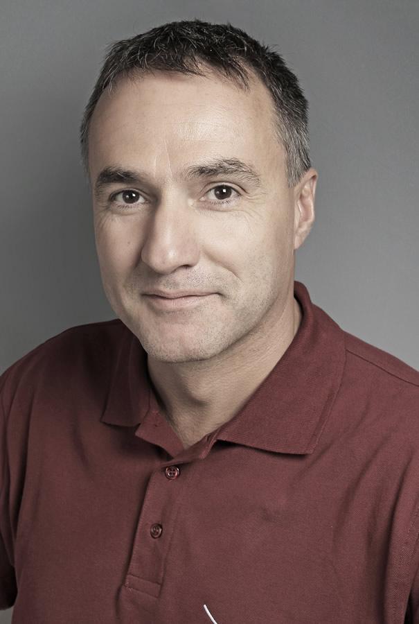 Dr. Seres László